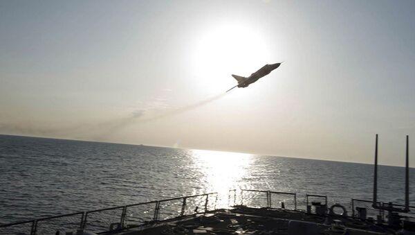 Военный самолет над эсминцем США Donald Cook - Sputnik Italia