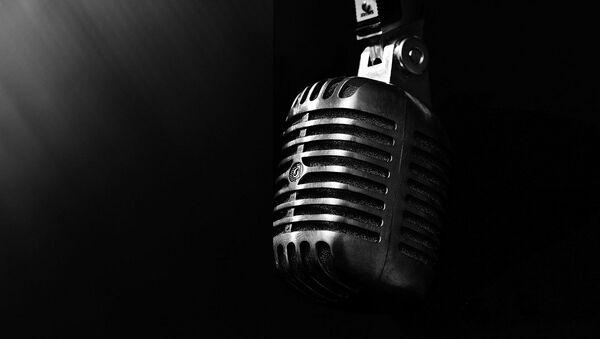 Un microfono - Sputnik Italia