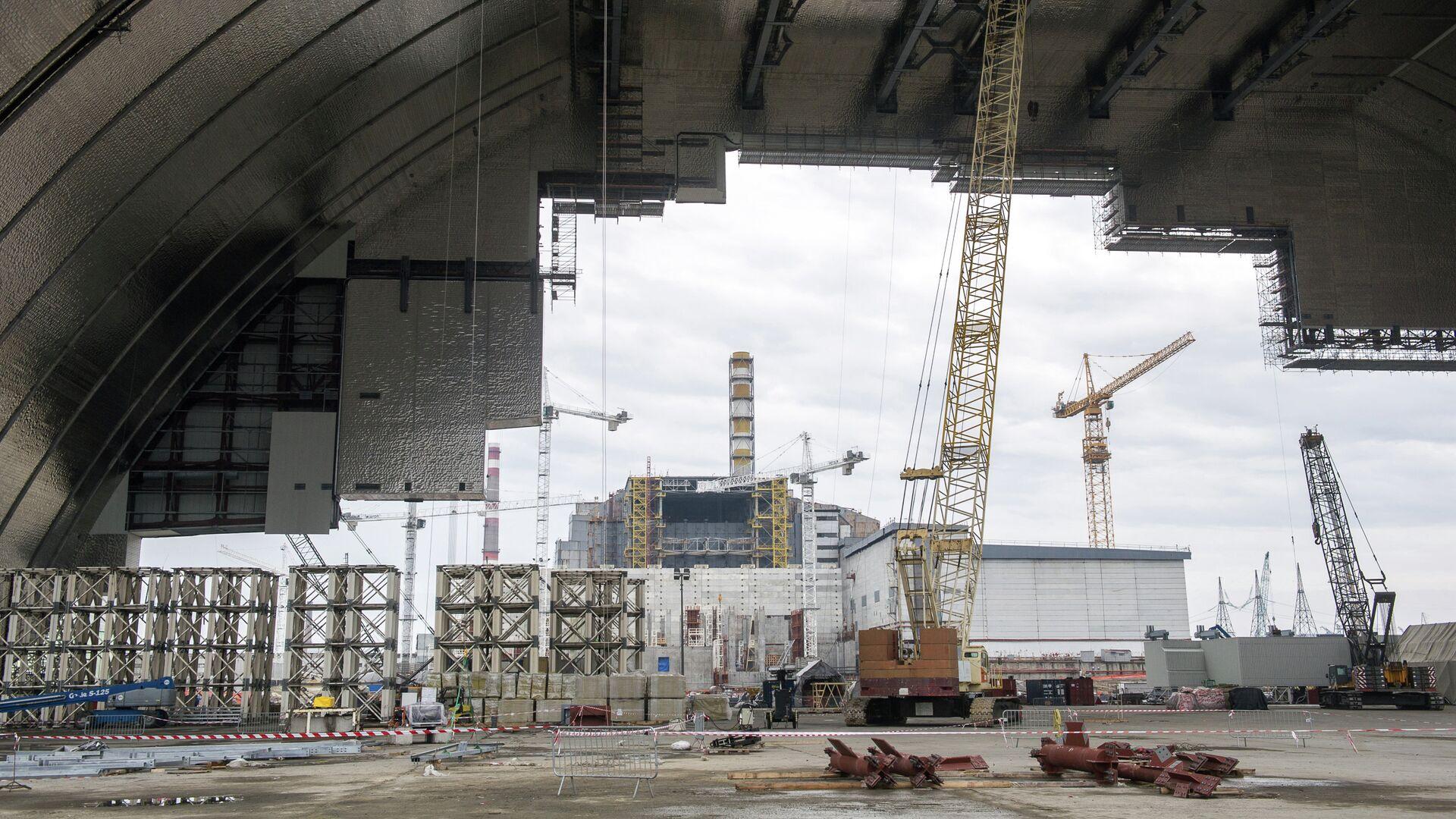 Costruzione del nuovo arco protettivo per la centrale di Chernobyl - Sputnik Italia, 1920, 30.05.2021