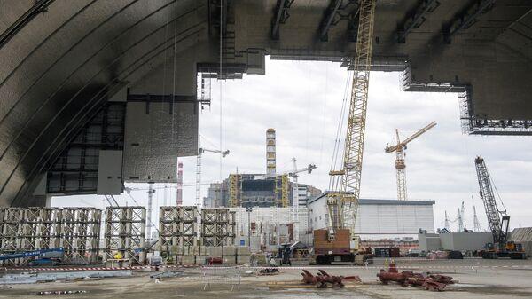 Costruzione del nuovo arco protettivo per la centrale di Chernobyl - Sputnik Italia