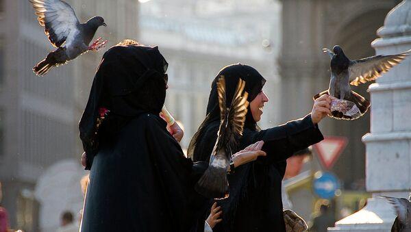 Mulsim women in Milan - Sputnik Italia