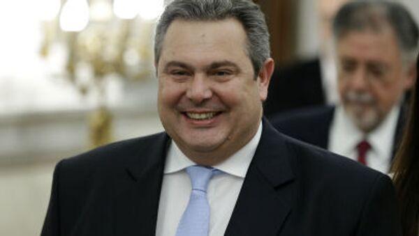 Новый греческий министр обороны Панос Камменос в президентском дворце в Афинах - Sputnik Italia