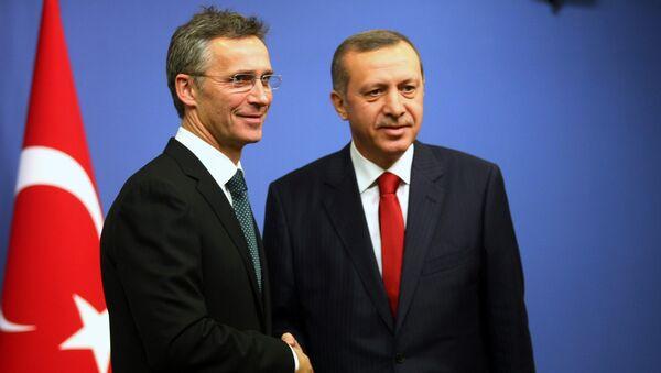 Jens Stoltenberg e Recep Tayyip Erdogan - Sputnik Italia