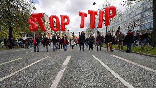 Manifestazione contro l'accordo di scambio TTIP - Sputnik Italia