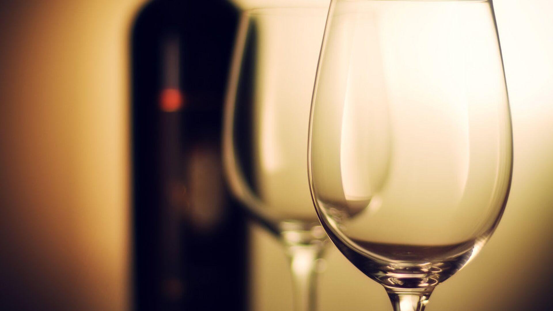Una bottiglia di vino - Sputnik Italia, 1920, 16.09.2021
