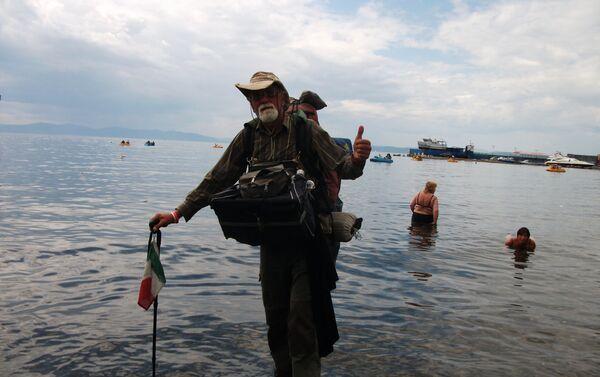 Piedi a bagno nel Pacifico - Sputnik Italia
