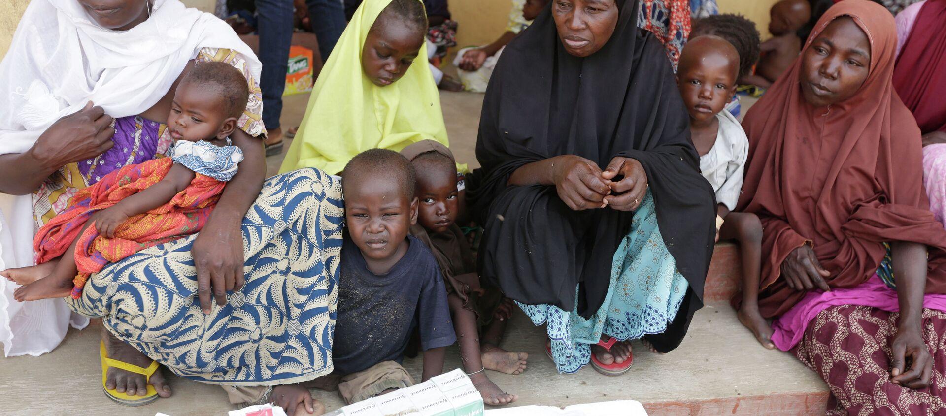 Donne e bambini liberati dai militari nigeriani da Boko Haram - Sputnik Italia, 1920, 26.02.2021