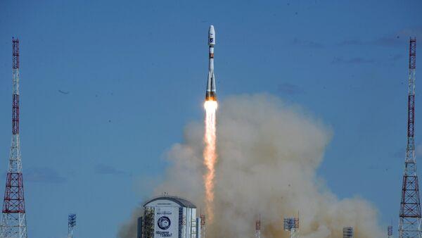 Primo lancio dal Vostochny space center, Russia - Sputnik Italia