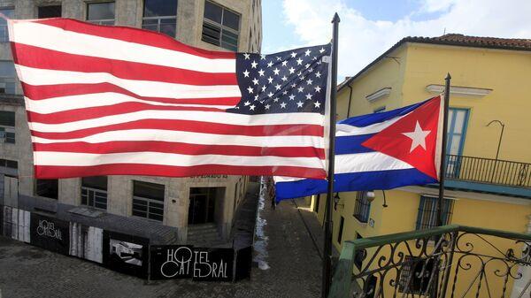 Bandiere degli USA e di Cuba - Sputnik Italia