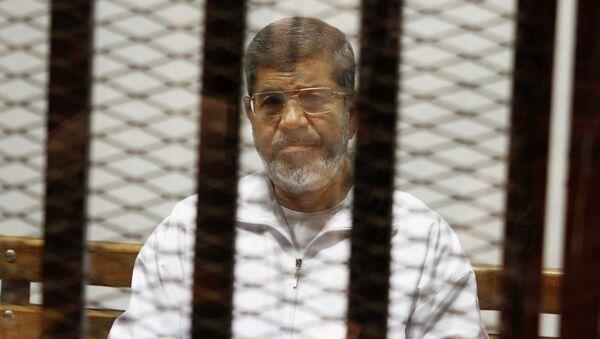 Mohammed Morsi   in attesa della sentenza del Tribunale - Sputnik Italia