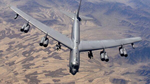 Стратегический американский бомбардировщик В-52 - Sputnik Italia