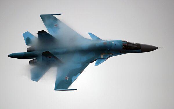 Caccia russo Su-34 in volo - Sputnik Italia