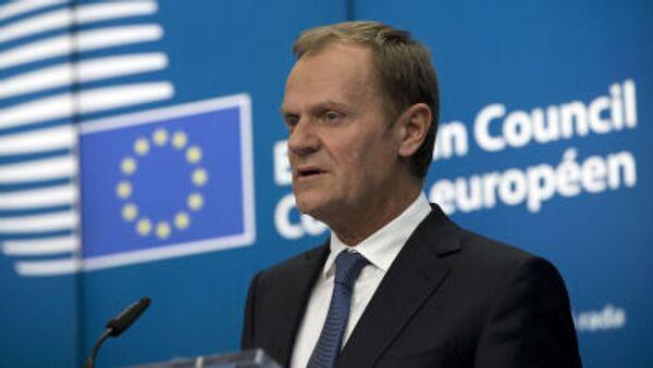 Председатель Европейского совета Дональд Туск выступает во время пресс-конференции на саммите ЕС в Брюсселе - Sputnik Italia