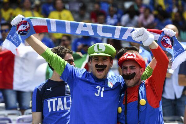 Italia-Svezia, tifosi azzurri sugli spalti - Sputnik Italia