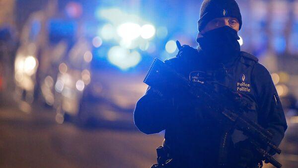 Agente di polizia in Belgio - Sputnik Italia
