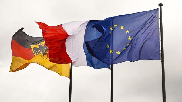 Bandiere di Germania, Francia e UE - Sputnik Italia