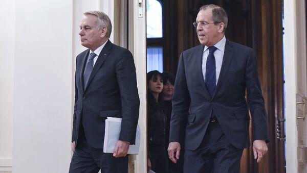 Sergei Lavrov a Jean-Marc Ayrault - Sputnik Italia