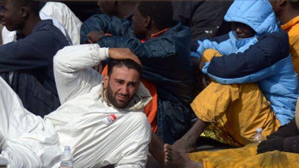 I flussi migratori  da Grecia e Turchia attraversano Macedonia, nel tentativo di entrare in Serbia e successivamente raggiungere l'Ungheria, la Croazia e gli altri paesi dell'UE. - Sputnik Italia