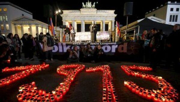 Berlino, candele che riportano all'anno 1915, in memoria delle vittime del genocidio armeno - Sputnik Italia