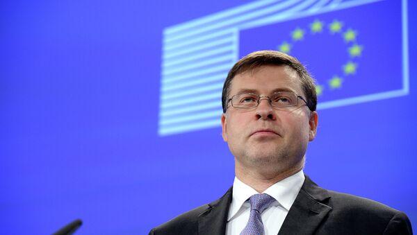 Il commissario europeo per il Commercio Valdis Dombrovskis  - Sputnik Italia