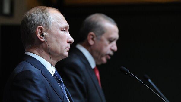 December 1, 2014. Russian President Vladimir Putin, left, and President of Turkey Recep Tayyip Erdogan at the concluding news conference in Ankara - Sputnik Italia