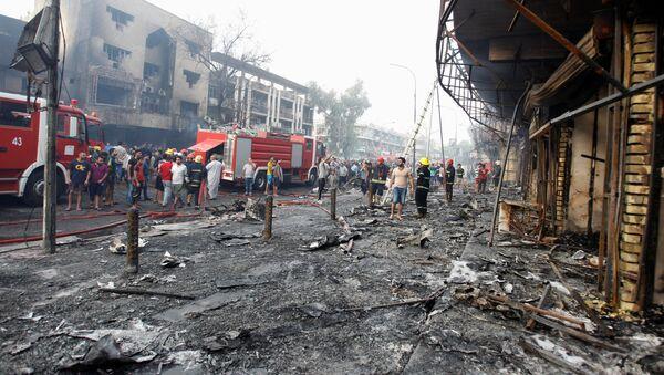 Пожарные машины на месте взрыва в Багдаде - Sputnik Italia