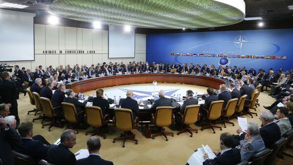 Il consiglio NATO Russia - Sputnik Italia