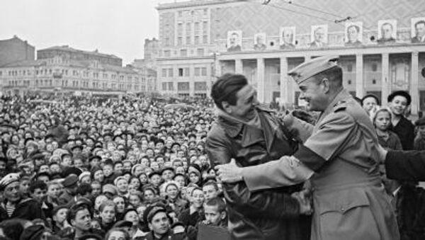 Momento di incontro con alleati americani, Mosca, 9 maggio 1945 - Sputnik Italia