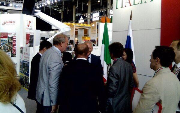 Innoprom 2016 - La visita della delegazione del Tatarstan al padiglione Italia - Sputnik Italia