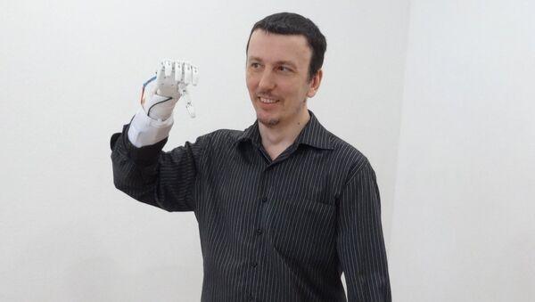 Paziente con la protesi - Sputnik Italia