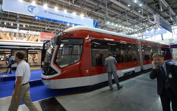 Il tram Vityaz presentato ad INNOPROM 2016 - Sputnik Italia