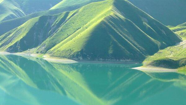 Il lago Kezenoyam - Sputnik Italia
