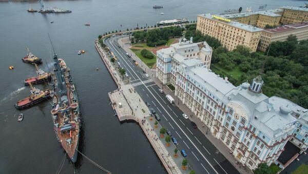 L'Aurora sul fiume Neva, San Pietroburgo - Sputnik Italia