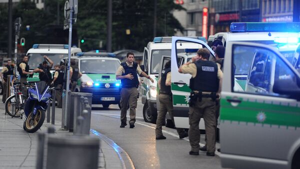 Police secures the area of Karlsplatz (Stachus square) following shootings on July 22, 2016 in Munich - Sputnik Italia