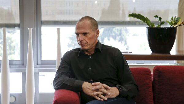 Greek Finance Minister Yanis Varoufakis is seen at his office at the ministry in Athens April 28, 2015. - Sputnik Italia