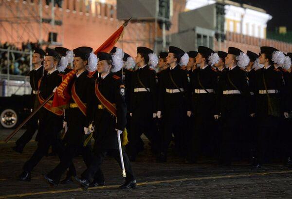 Militari in Piazza Rossa durante le prove - Sputnik Italia