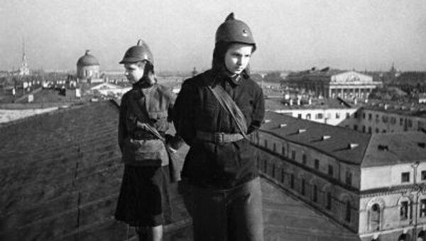 In attesa di aerei nazisti. Leningrado - Sputnik Italia