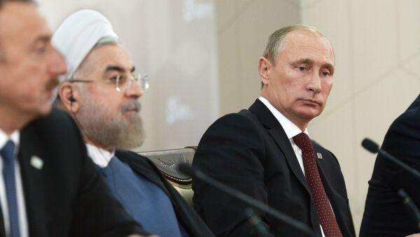 Ilham Aliyev, Hassan Rouhani e Vladimir Putin - Sputnik Italia
