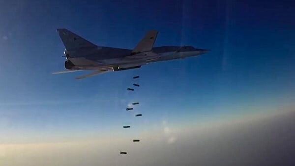 Bombardiere russo Tu-22М3 durante raid in Siria - Sputnik Italia