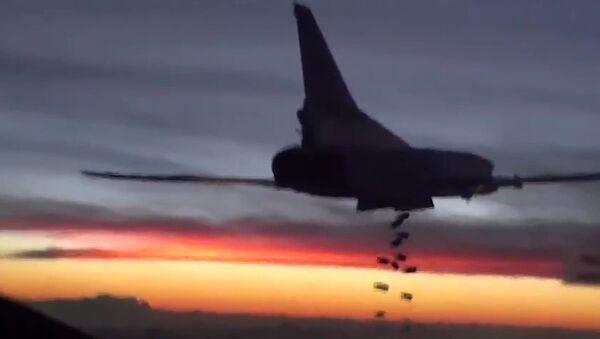 Cruise missiles hit ISIS targets in Syria - Sputnik Italia