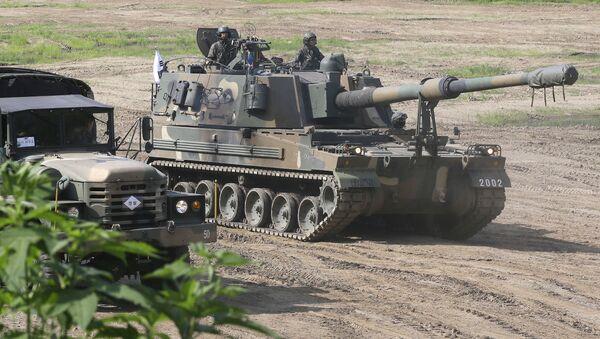 Cамоходная артиллерийская установка К-9 армии Южной Кореи - Sputnik Italia