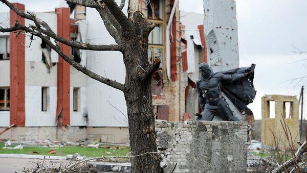 Donetsk, danneggiamenti dopo i bombardamenti - Sputnik Italia