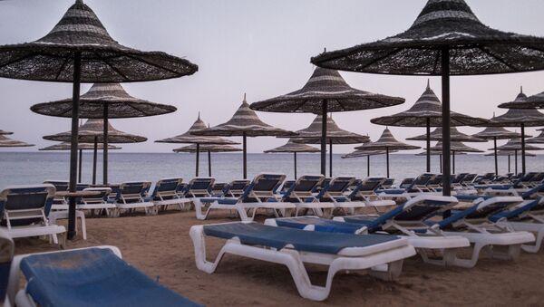 Spiaggia deserta a Sharm el Sheick, Egitto - Sputnik Italia