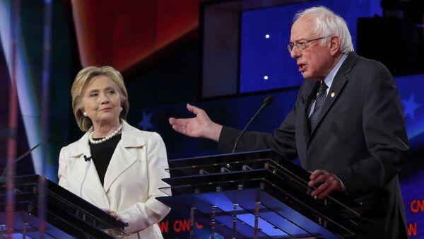 Bernie Sanders e Hillary Clinton - Sputnik Italia