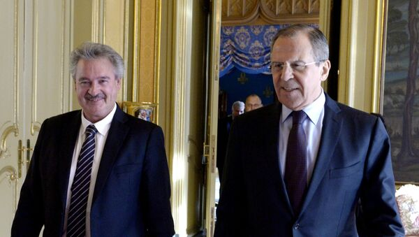 Russian Foreign Minister Sergei Lavrov, right, and his Luxemburg's counterpart Jean Asselborn during a meeting in Moscow. File photo - Sputnik Italia