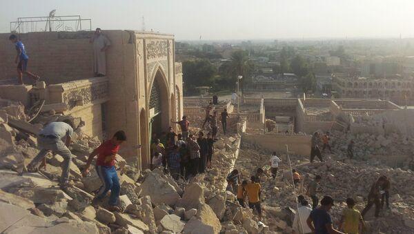 Edifici ridotti in macerie a Mosul - Sputnik Italia