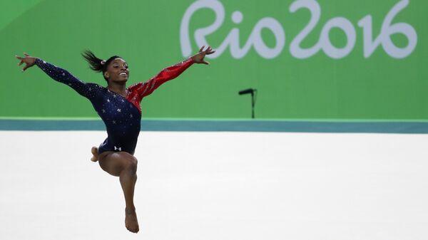 La campionessa olimpica statunitense Simone Biles - Sputnik Italia