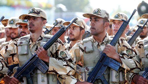 Soldati iraniani in parata militare - Sputnik Italia