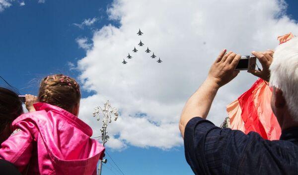 Prove della parte aerea della parata militare del 9 maggio a Mosca. - Sputnik Italia
