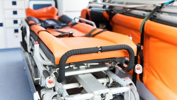 Каталка в машине скорой помощи - Sputnik Italia